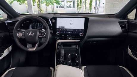 Novo Lexus NX 2022: painel de instrumentos digital e central multimídia de até 14''.