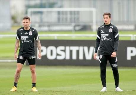 Gustavo Mosquito e Mateus Vital participaram de 40% dos gols em 2021 (Foto: Rodrigo Coca/Ag. Corinthians)