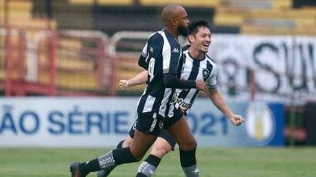 Chay e Oyama começaram bem com a camisa do Botafogo (Vitor Silva/Botafogo)