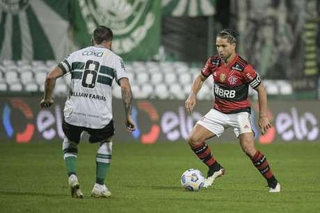 Na ida, o Flamengo venceu o Coritiba por 1 a 0, no Estádio Couto Pereira (Foto: Alexandre Vidal / Flamengo)