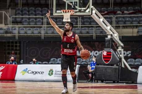Franco Balbi em ação pelo Flamengo (Foto: Marcelo Cortes/CRF)
