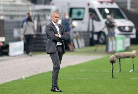 Sylvinho busca a primeira vitória como técnico no estádio corintiano (Foto: Rodrigo Coca/Ag. Corinthians)