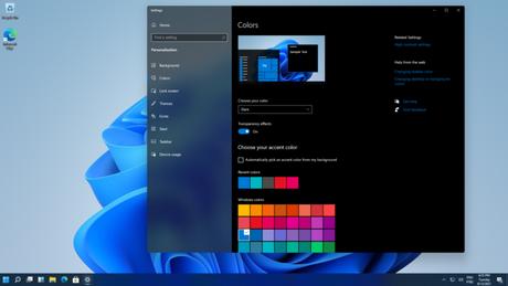 Windows 11 com barra de ferramentas à esquerda