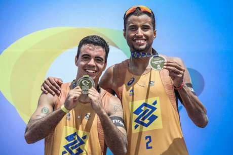 Guto e Arthur firmaram parceria de olho no ciclo olímpico de Paris (Foto: Wander Roberto/Inovafoto/CBV)
