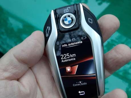 BMW M3 Competition Track: chave inteligente e cheia de informações.