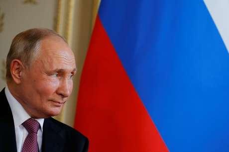 Presidente russo, Vladimir Putin, se reúne com presidente suiço, Guy Parmelin, após cúpula com o presidente dos EUA, Joe Biden 16/06/2021 REUTERS/Denis Balibouse/Pool