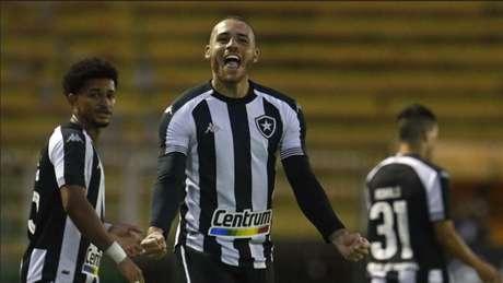 Pedro Castro em ação pelo Botafogo (Foto: Vítor Silva/Botafogo)