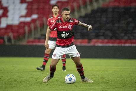 Matheuzinho vive bom momento no Flamengo (Foto: Alexandre Vidal/Flamengo)