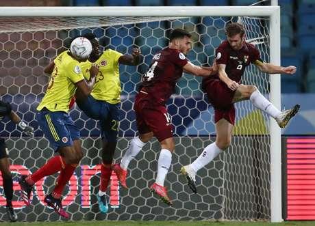 Jogo entre Colômbia e Venezuela, dois times com casos de Covid na Copa América  17/6/2021   REUTERS/Diego Vara