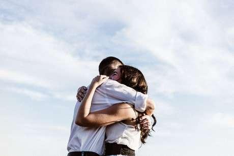 talentos-escondidos-abraço