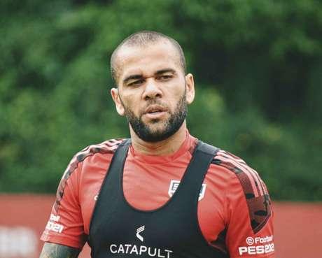 Daniel Alves foi chamado para as Olimpíadas e pode perder jogos decisivos do São Paulo (Foto: Divulgação/São Paulo)