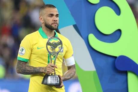 Daniel Alves levantou a última Copa América como capitão da Seleção