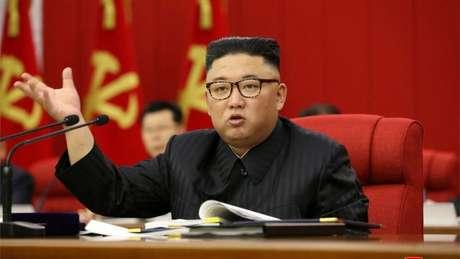 Corpo mais magro de Kim Jong-un gerou mais especulações sobre sua saúde