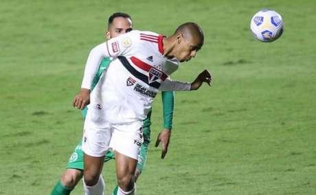 Bruno Alves durante partida contra a Chapecoense (Foto: Paulo Pinto / saopaulofc.net)