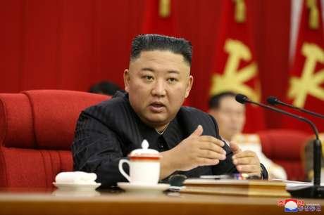 Líder norte-coreano Kim Jong Un em Pyongyang  17/6/2021  KCNA via REUTERS