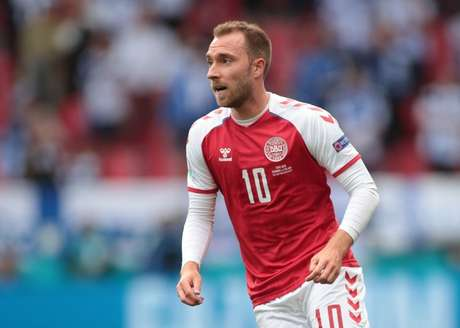Christian Eriksen durante partida entre Dinamarca e Finlândia pela Eurocopa 12/06/2021 Pool via REUTERS/Hannah Mckay