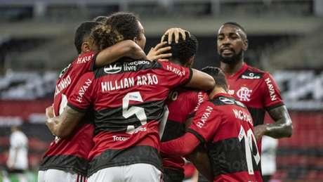 Classificado! Rubro-Negro vence o Coritiba pela segunda vez e avança na Copa do Brasil (Foto: Alexandre Vidal/CRF)