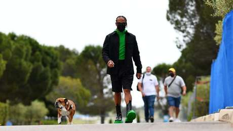 Lewis Hamilton nesta quinta-feira (17), na França (