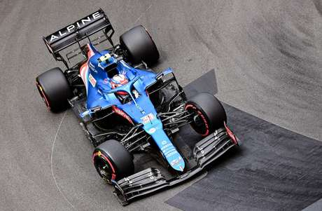 Esteban Ocon assinou novo contrato com a Alpine