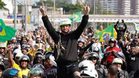 Com raro uso de máscaras, atos de motociclistas em apoio a Bolsonaro foram realizados em Rio, Brasília e São Paulo