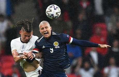 Ingleses e escoceses ficaram apenas no empate (Foto: JUSTIN TALLIS / POOL / AFP)