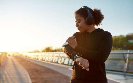 Celular x treino: como o uso do aparelho atrapalha a atividade física?