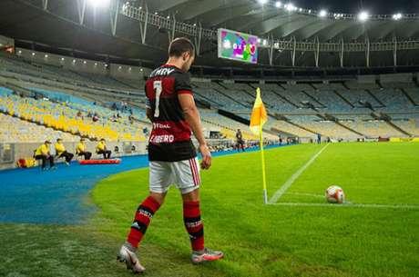 Flamengo e Bangu, em junho de 2020, iniciou a era de jogos sem público no Rio (Foto: Alexandre Vidal / CRF)