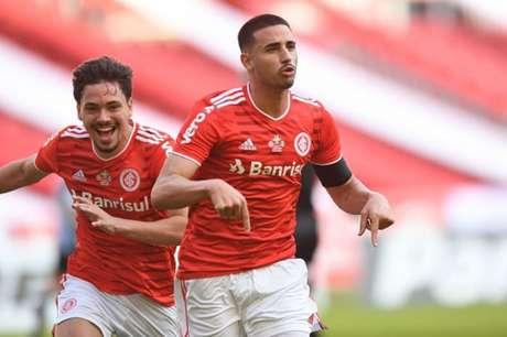 Galhardo fez o primeiro gol no GreNal 431 (Divulgação/Internacional)