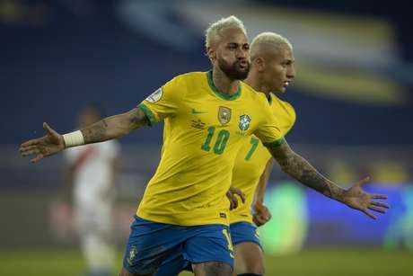Neymar teve grande atuação na partida contra o Peru