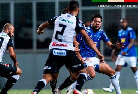 O time paranaense foi o único rival que o Cruzeiro derrotou duas vezes na Série B 2020- (Foto: Divulgação/Cruzeiro)