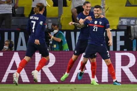França venceu a Alemanha na primeira rodada da Eurocopa (Foto: FRANCK FIFE / POOL / AFP)