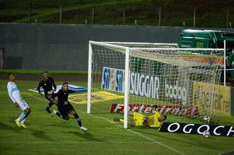 Botafogo empata com o Londrina pela quarta rodada do Campeonato Brasileiro da Série B
