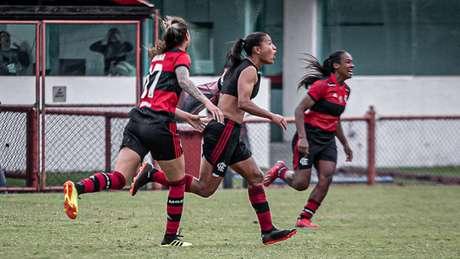 Ana Carla decidiu o jogo nos minutos finais (Foto: Ana Carla/Flamengo)