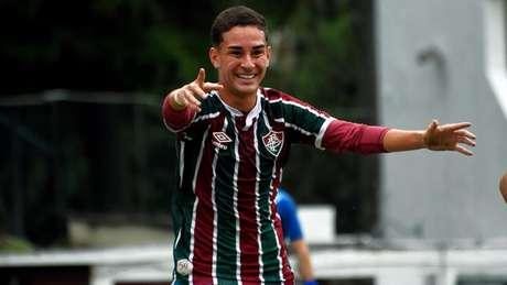 Agner comemora gol marcado na vitória do Fluminense (Foto: Mailson Santana/Fluminense FC)