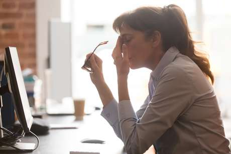 A síndrome do esgotamento mental também pode ser consequência do excesso de trabalho