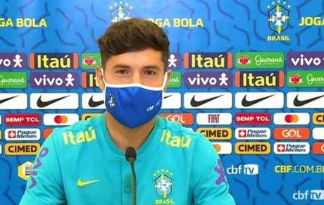 Zagueiro não participou de atividade do Brasil (Foto: Reprodução / CBF TV)