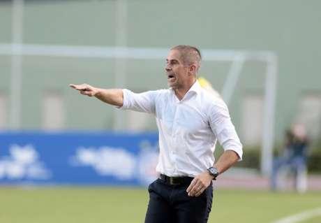 Sylvinho elogiou as posturas de Mateus Vital e de Vitinho (Foto: Rodrigo Coca/Ag. Corinthians)