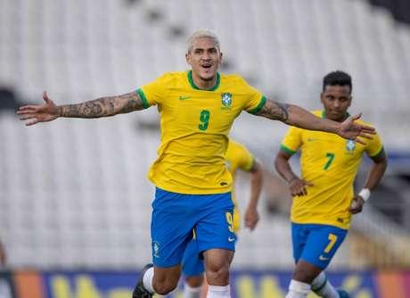 Nos últimos dois amistosos pela Seleção olímpica, Pedro foi titular e marcou três gols (Foto: Ricardo Nogueira / CBF)