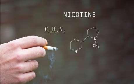 Nicotina: o que é e por qual motivo ela causa dependência?