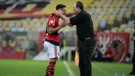 Muniz marcou dois gols neste sábado e chegou a nove na temporada (Foto: Alexandre Vidal/Flamengo)
