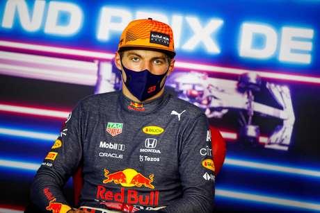 Verstappen diz foi 'fácil' ultrapassar Hamilton para vencer o GP da França