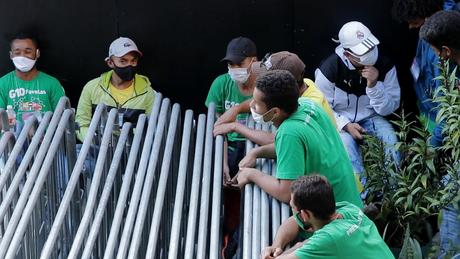 Em Paraisópolis, 200 jovens foram contratados para ajudar na coordenação dos mais de 600 'presidentes de rua'