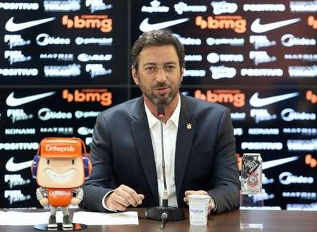 Duilio Monteiro Alves prometeu um canal mais estreito com o torcedor do Timão (Foto: Rodrigo Coca/Ag. Corinthians)