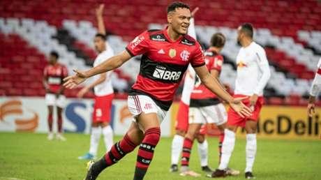 Com os dois gols deste sábado, Muniz chegou a nove gols na temporada (Foto: Alexandre Vidal/Flamengo)
