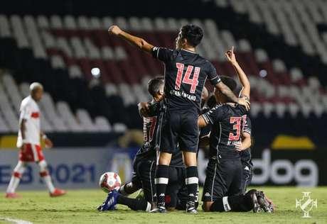 Vasco conquistou a primeira vitória, em São Januário, pela Série B do Campeonato Brasileiro (Rafael Ribeiro/Vasco)