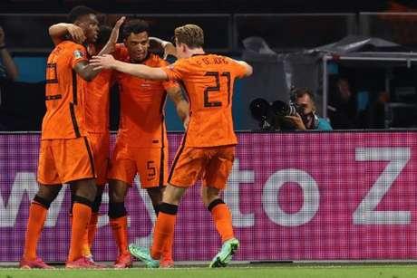 Holanda vive bom momento na Eurocopa (Foto: DEAN MOUHTAROPOULOS / POOL / AFP)