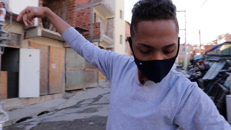 'Por conta da pandemia, procurar emprego está sendo quase impossível', diz Pedro Henrique da Silva Souza, 17 anos
