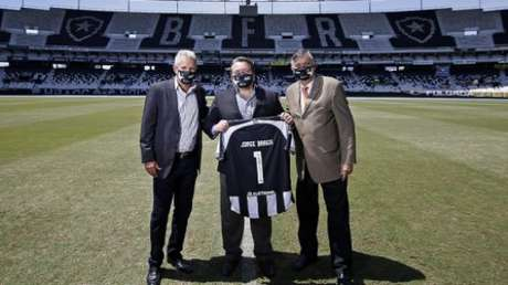 Vinícius Assumpção, Jorge Braga e Durcesio (Vitor Silva/Botafogo)