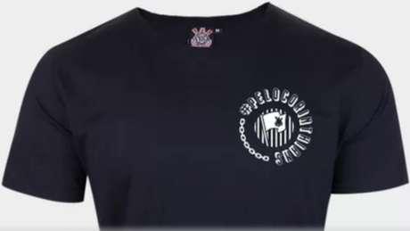 Camiseta foi baseada em uma campanha de torcedores do Corinthians nas redes (Foto: Divulgação)