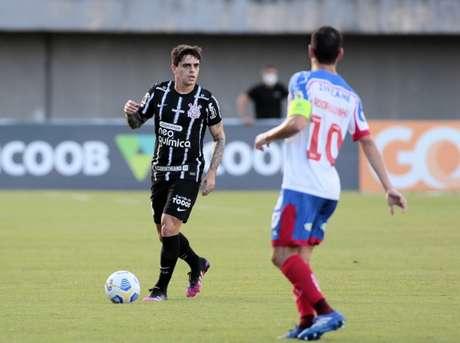 Timão melhorou quando Fagner passou a jogar mais no campo ofensivo (Foto: Rodrigo Coca/Ag. Corinthians)